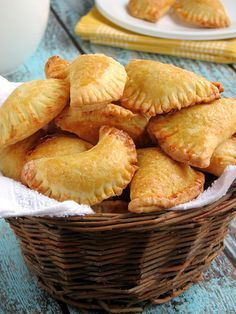 These delicious mini empanadas have a flaky, buttery crust and are filled with sweet, bursting with flavor pumpkin filling. Mexican Sweet Breads, Mexican Bread, Mexican Food Recipes, Snack Recipes, Dessert Recipes, Cooking Recipes, Xmas Desserts, Mexican Desserts, Mexican Empanadas