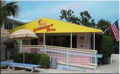 Another one of my favorites from Sanibel Island! Schnapper's Hots is the spot to go for onion rings, hot dogs, and crazy delicious shakes! Standing room only, folks... seriously... there are NO chairs!