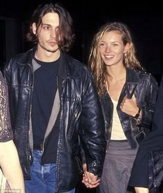 Celebrity Couples Who Dress Alike - Celebrity Couples in Matching Leather - Elle - Johnny Depp and Kate Moss - Apparently this isn't her first rodeo. Hijab Outfit, Outfit Jeans, Kate Moss, Fashion Kids, Love Fashion, Fashion Trends, Style Fashion, Mens Fashion, Christy Turlington
