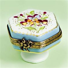 Limoges Pansies on Burgundy Box. | Limoges Boxes Classic Hearts ...