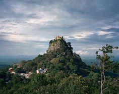 """Monasterio Taungkalat,  Monte Popa, Birmania. """"Los días de Brimania"""" de Goerge Orwell."""