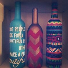 Painted wine bottles by Synamon