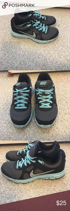 Nike Tennis Shoes Only worn a few times. In excellent condition.   Women's size 4/5  Asking $25 or best offer Nike Shoes Athletic Shoes