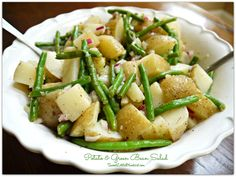 Sweet Little Bluebird: Potato and Green Bean Salad *-pretty easy, although it takes awhile to cook the potatoes and beans. I didn't have Italian salad dressing so I used dry Italian dressing mix and it was delicious. Potato Dishes, Potato Recipes, Vegetable Dishes, Vegetable Recipes, Green Beans And Potatoes, Green Onions, Green Bean Salads, Cooking Recipes, Healthy Recipes