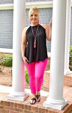 Purple Shirt Outfits, Pink Pants Outfit, Jeggings Outfit, Hot Pink Pants, Pink Leggings, Cute Outfits, Black Leggings Outfit Summer, Work Outfits, Trendy Plus Size Shirts