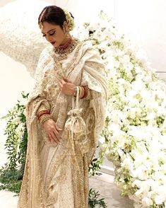 The timeless Rekha, looks classic in a beautiful Manish Malhotra (  off white saree with intricate zardosi work! Off White Saree, Manish Malhotra, Traditional Looks, Indian Celebrities, Bollywood Stars, Beautiful Actresses, Designer Wear, Bollywood Actress, Star Fashion