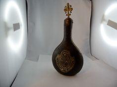 Antike Flasche Lederüberzogen Wappen Löwe Lilie Handarbeit Adelsbesitz