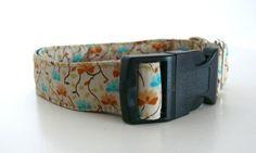 Halsband Hanami Blüte M/L 2,5 cm Breite von stitchbully.de auf DaWanda.com
