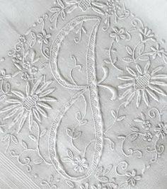 Antique Style: Hanky Primer #1: Antique Monogrammed Hankies