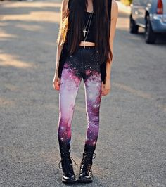 Gotta find one of these Galaxy Leggings 😍 and copy this outfit Hipster Fashion, Cute Fashion, Teen Fashion, Womens Fashion, Fashion Trends, Hipster Outfits, Fashion Sale, Unique Fashion, Fashion Clothes