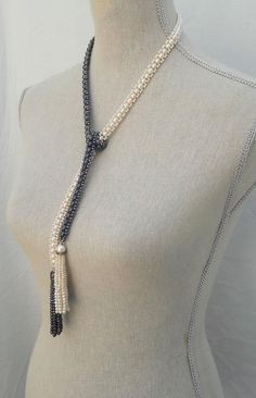 Woven Art Deco Black and White Pearl, Long Lariat Necklace — Marina J. Lariat Necklace, Pearl Bracelet, Choker, Bead Making Tutorials, Necklace Drawing, Jewelery, Jewelry Necklaces, Beaded Necklace Patterns, Flower Hair Accessories