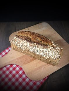 """Without walking times. Simple and tasty. - Oatmeal bread """"quick Lutz"""" from the Thermomix, made without walking times, easy and quick and suita - Chicken Recipes Dairy Free, Healthy Chicken Recipes, Seafood Recipes, Bread Recipes, Fruit Smoothies, Smoothie Recipes, Oatmeal Bread, Pampered Chef, Morning Food"""