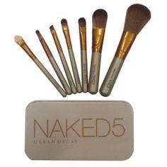 Make up Brush Naked5 isi 7 kuas, sudah termasuk kaleng. No Guarantee, karena barang sudah dicek dan tidak ada yang reject
