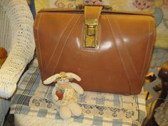 Leather Brief Case VINTAGE by Daysgonebytreasures on Etsy, $35.00