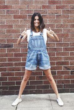 Tenho visto muitos looks com os famosos overall shorts, ou macaquinho jeans ultimamente. Fico impressionada como eles têm ganhado espaço nas produções de street style. Eu nunca usei, mas não desgosto não. Dependendo dos complementos acho que fica bem legal, descontraído e original. Separei aqui algumas das minhas produções favoritas com ele: Hedvig do Northern …