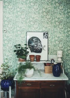 Every now and again I stumble across a beautifully unique, creative, Swedish home that's full of soul.  This is one of them. Tuva Minna Lin...