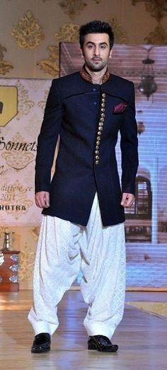 Stylish Casual Bandhgala Short Sherwani - Indian Outfit. #Indian #Fashion #WomenTriangle www.womentiangle.com