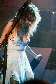 "Stephanie ""Stevie"" Nicks is a singer-songwriter known for her career with Fleetwood Mac which gave the band their only U. Janis Joplin, Stevie Nicks Fleetwood Mac, Stevie Nicks 70s, Fleetwood Mac Lyrics, Buckingham Nicks, Lindsey Buckingham, Stephanie Lynn, Linda Ronstadt, Women Of Rock"