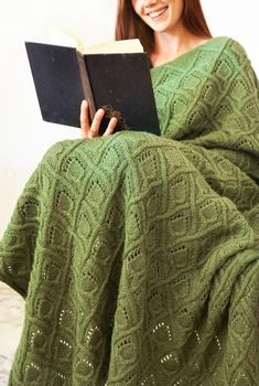 Page Turner Throw
