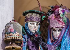 Images of Venice Carnival by Carmen Sirboiu Venice Carnival Costumes, Venetian Carnival Masks, Carnival Of Venice, Costume Venitien, Professional Women, Professional Photographer, Mardi Gras, Captain Hat, Hats