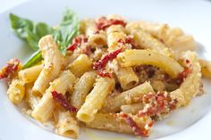 Rigatoni with sun-dried tomatoes and Goat cheese... NEED IT NOW