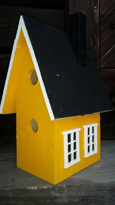 This is my self -made birdhouse inspired from Pinterest/ Anette Lönn