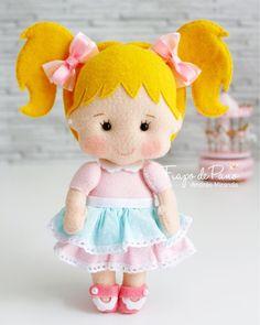 {Pré-venda- Apostila Digital Sweet Babies} A Vivi é ou não é uma fofura? ❤️ Link clicavel para a compra na Bio (www.fiapodepano.com.br)… Felt Crafts Patterns, Felt Crafts Diy, Toddler Fun, Toddler Crafts, Diy Christmas Presents, Felt Fairy, Sewing Dolls, Felt Toys, Felt Animals