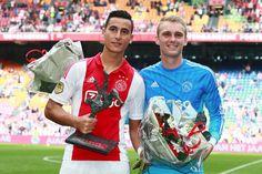 Na de gewonnen thuiswedstrijd tegen SC Cambuur (3-0) maakte Ajax de 'Ajacied van het Jaar' en het 'Talent van het Jaar' bekend.