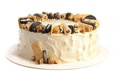 Download wallpapers cake with white cream, sweets, birthday cake, dessert Diet Recipes, Cooking Recipes, Food Wallpaper, Sugar Free Desserts, People Eating, Recipe Images, I Party, Cake Designs, How To Stay Healthy