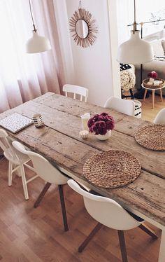 Bricolage construire votre propre table à manger DIY Esstisch selber bauen – Tisch aus alten Baudielen - Mobilier de Salon Decor, Table, Diy Dining, Diy Table, Table Decorations, Diy Dining Table, Farmhouse Dining Table, Home Decor, Dining Table