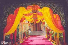 Aren't you tired of seeing the same old wedding entrances with drapes and curtains? Because I am. Come on, it's your wedding and a celebration as grand as that definitely needs to look every bit perfect! I know deciding the venue décor might just get a bit exhausting – from selecting the theme, keeping the colours in mind and most importantly the final outline look that you have been wanting- there are so many problems to it. Looking For Photographers? Find Trusted Wedding Vendors At…