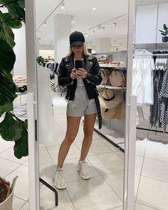 Victoria Törnegren Victoria, Selfie, Thursday, Shorts, Casual, Outfits, Street, Fashion, La Mode