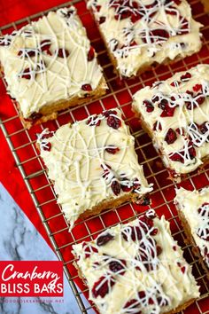 Cranberry Bliss Bars - a Starbucks Copy Cat Recipe! Cranberry Bliss Bars - These taste just like the ones at Starbucks. Plus they're super easy to make! Holiday Desserts, Holiday Baking, Christmas Baking, Easy Desserts, Holiday Recipes, Delicious Desserts, Christmas Recipes, Christmas Cookies, Easy Dessert Bars