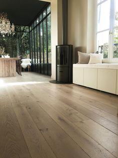 Hardwood Floors, Flooring, Coffee Shop, Sweet Home, Living Room, Architecture, Studio Paris, Inspiration, Spaces