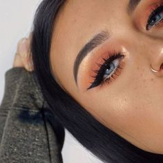 Eye Makeup Tips.Smokey Eye Makeup Tips - For a Catchy and Impressive Look Beauty Dupes, Beauty Make-up, Beauty Hacks, Hair Beauty, Beauty Unique, Make Up Tutorial Contouring, Eyeliner Tutorial, Eyeshadow Tutorials, Eye Tutorial