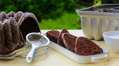 Jogurtová bábovka skakaem: jednoduchý recept zvládne každý Tiramisu, Baking, Ethnic Recipes, Bakken, Tiramisu Cake, Backen, Sweets, Pastries, Roast