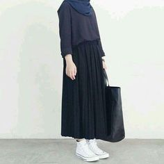New style hijab casual rok Ideas Street Hijab Fashion, Muslim Fashion, Modest Fashion, Fashion Outfits, Hijab Fashion Style, Fashion Muslimah, Casual Hijab Outfit, Hijab Chic, Casual Outfits