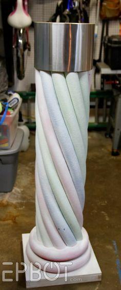 """EPBOT: Make Your Own """"Stone"""" Decorative Column… With Pool Noodles! Gives a r… - DIY Gartendekor Dollar speichert Upcycled Crafts, Diy Home Crafts, Dollar Store Crafts, Dollar Stores, Make Your Own, Make It Yourself, How To Make, Pool Noodle Crafts, Old Time Pottery"""