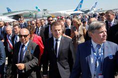 Macron au Bourget entre démonstrations aériennes et rencontre avec Thomas Pesquet
