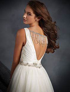 Alfred Angelo Look at the gorgeous back! The beaded chain is detachable if it's not quite your thing, but it definitely adds a glamorous and unique look! Alfred Angelo Bridal, Nice Dresses, Formal Dresses, Designer Wedding Gowns, Classic Style, Classic Elegance, Bridal Beauty, Dream Dress, Dress Collection