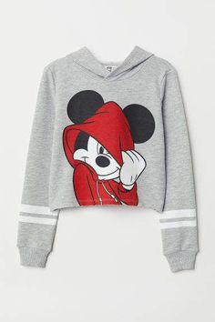H&M Short Hooded Sweatshirt – Gray – Mode für Frauen Cute Disney Outfits, Crop Top Outfits, Cute Outfits For Kids, Cute Casual Outfits, Outfits For Teens, Cute Clothes For Kids, Clothes For Tweens, Summer Clothes, Girls Fashion Clothes
