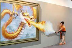 ★ Você sabia que o dragão ORIENTAL possui olhos de tigre, chifres de veado, corpo de serpente, patas de águia, orelhas de boi e entre outras partes de outros animais? Repara aí que você vai perceber!