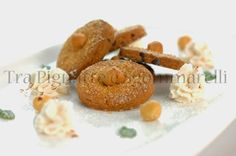 I miei dolci - Biscotti di frolla e gocce di cioccolata, con panna al miele e cannella | Tra pignatte e sgommarelli