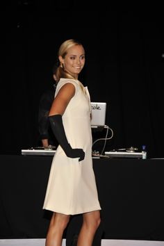 Beautiful white dress at the PSOS '12 Fall Fashion show.