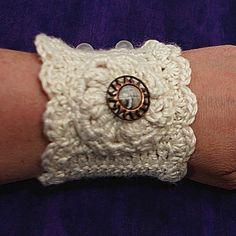 Romantic Crochet Wrist Cuff PDF Pattern @magentaskystudio $4.00