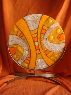 Plato decorativo base Fused Glass Bowl, Glass Vase, Bubble Painting, Sea Glass Crafts, Valentines Art, Pottery Techniques, My Glass, Glass Design, Mosaic Art