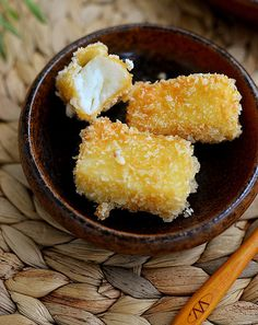 Fried Milk Recipe - One Of The Traditional Chinese Desserts - Yum Of China chinese food Fried Milk Recipe - One Of The Traditional Chinese Desserts - Yum Of China Armenian Recipes, Irish Recipes, Sweet Recipes, Armenian Food, Appetizer Dishes, Appetizer Recipes, Dessert Recipes, Appetizers, Asian Desserts