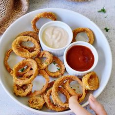 Elavegan - Simple, healthy and delicious vegan recipes Vegan Soups, Vegan Snacks, Delicious Vegan Recipes, Gluten Free Recipes, Tasty, Blooming Onion Recipes, Vegan Moussaka, Onion Rings Recipe, Nibbles For Party