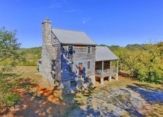 Live Out Your Pioneer Fantasies In This Tennessee Log Cabin for Sale  - CountryLiving.com
