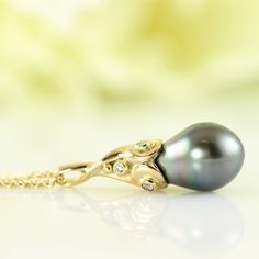 Galleri Castens - Tahiti Drop pendant with diamonds